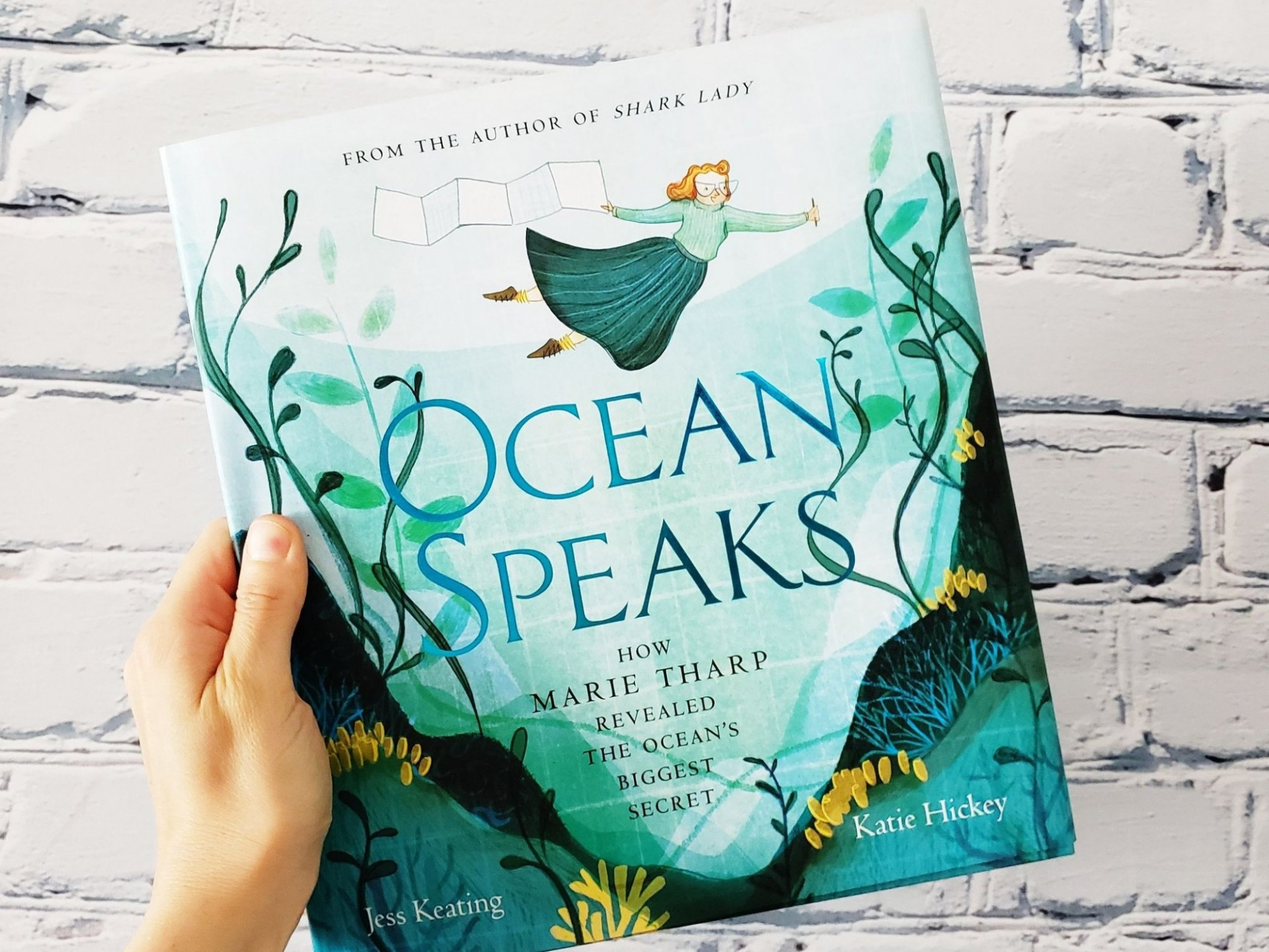 "Maureen Raymo Reads ""Ocean Speaks: How Marie Tharp Revealed the Ocean's Biggest Secret"" by Jess Keating with Illustrations by Katie Hickey"